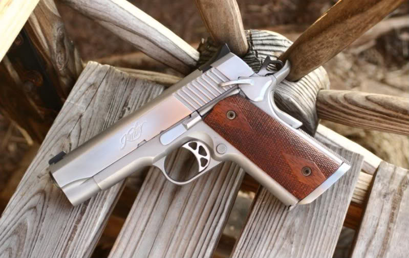 ai157.photobucket.com_albums_t52_m5stingray18_Guns_KimberSmall_1.jpg