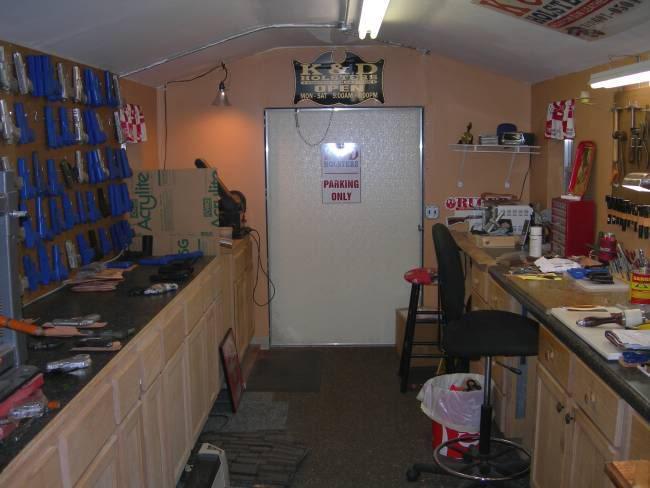 aimg.photobucket.com_albums_v107_Leathercrafter_Shop4.jpg