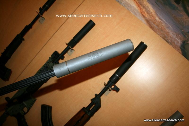 awww.silencerresearch.com_shotshow2010_38.JPG
