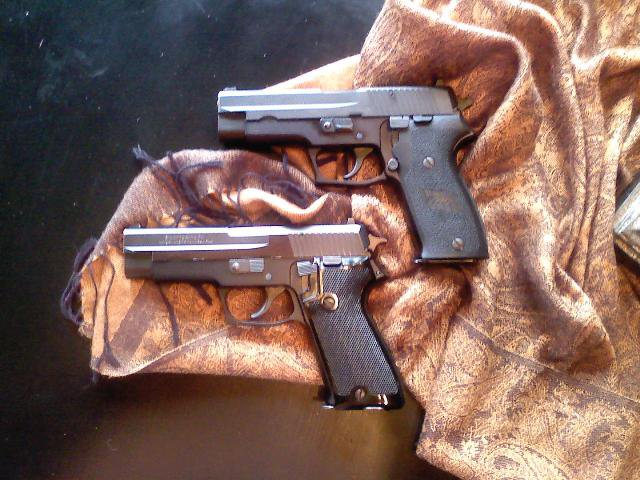 Browning BDA SIG P220.jpg