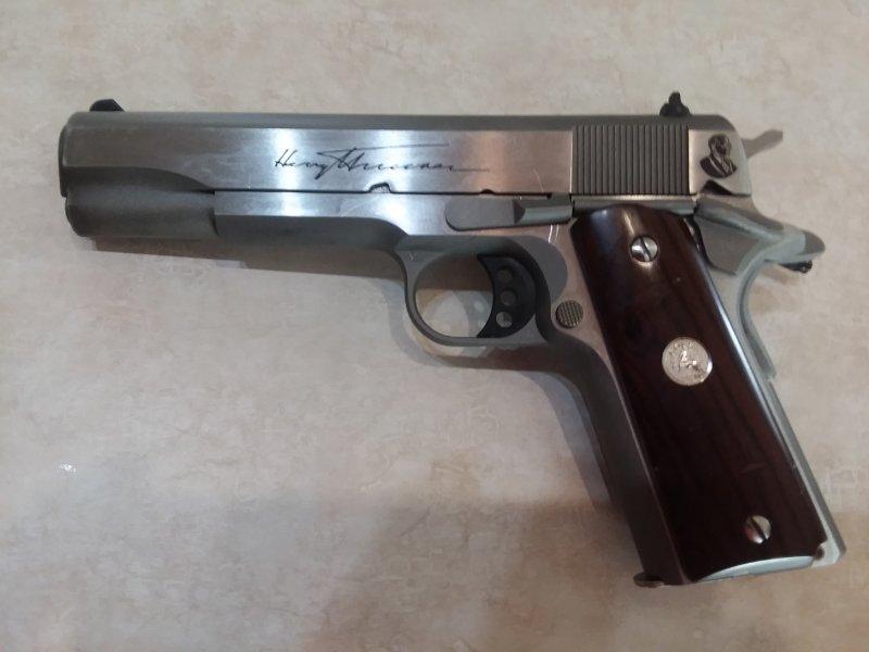 Colt 1911 port side.jpg