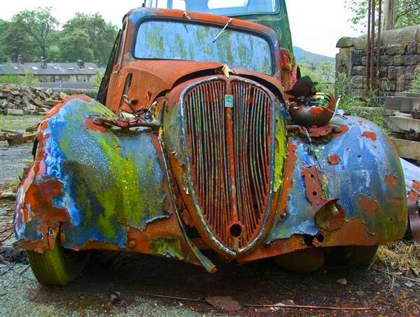 Rusty-car-2enhanced.jpg