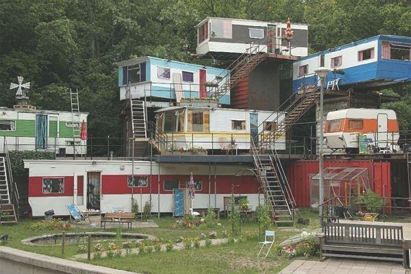 trailerpark_apartments.jpg